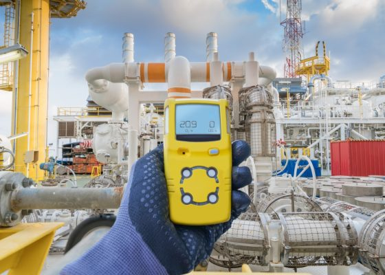 Safety concept of safety and security system on offshore oil and gas processing platform, hand hold gas detector for check hydrocarbon leak to protect fire and explosion. A possible application of the mp6 micropumps Bartels Mikrotechnik